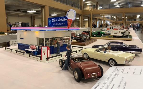 Ice cream stand at Smoky Mountain Model Con